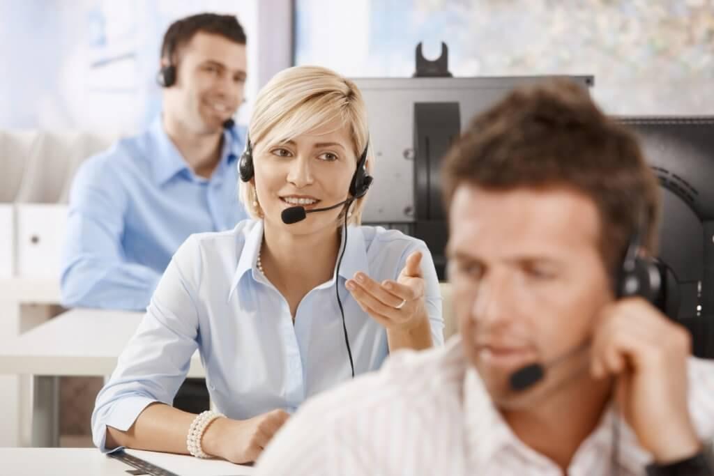Mais de 30 vagas para operador de telemarketing