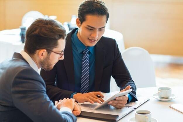 Encontre Vagas no Brasil para Consultor Comercial ou Consultor de Vendas