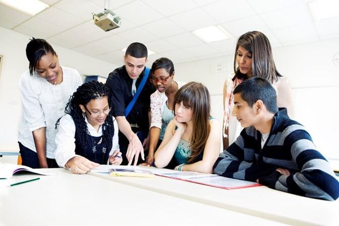 Descubra o programa para quem busca uma vaga de primeiro emprego!