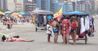 Veja como conseguir trabalho extra durante os finais de semana na praia