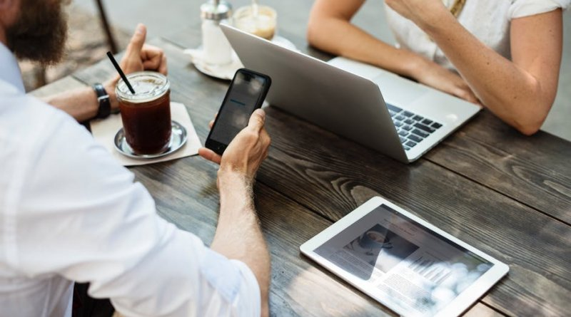 3 aplicativos para ganhar dinheiro extra nas férias