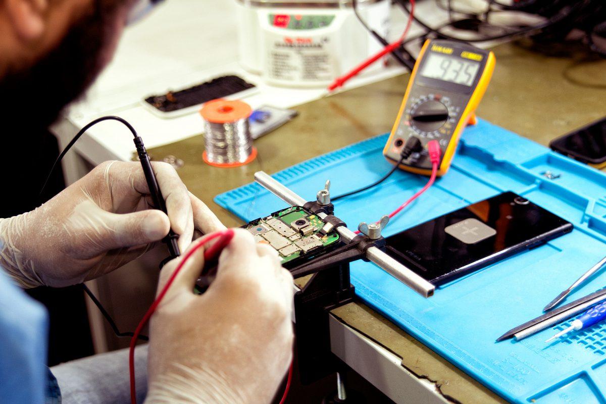 4 dicas para abrir uma assistência técnica de celulares