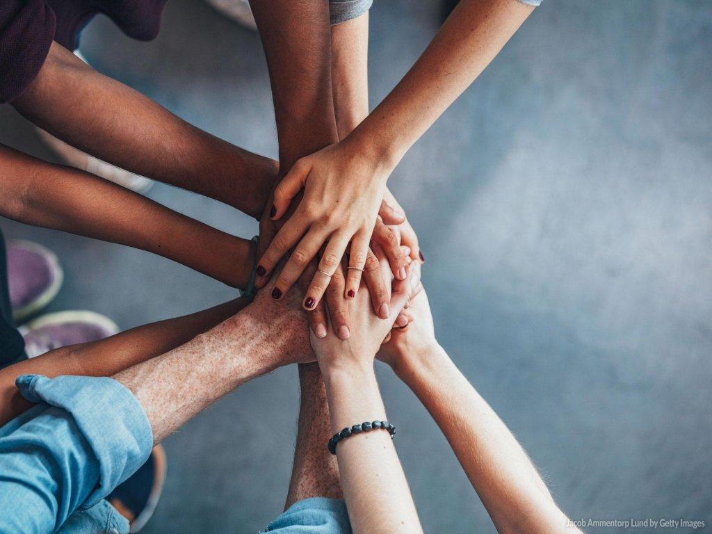Saiba essas 5 dicas para se dar bem na dinâmica em grupo