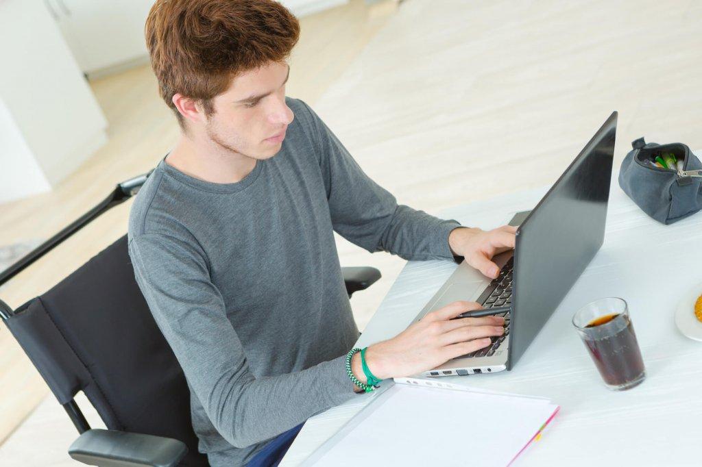 Saiba se vale a pena fazer cursos online