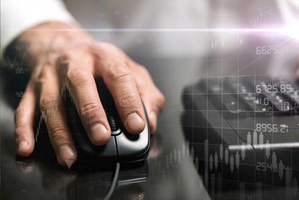 Confira 4 dicas para escolher uma corretora de valores para investir o salário