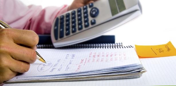 Fazer o orçamento familiar? Veja como um curso gratuito da FGV ensina