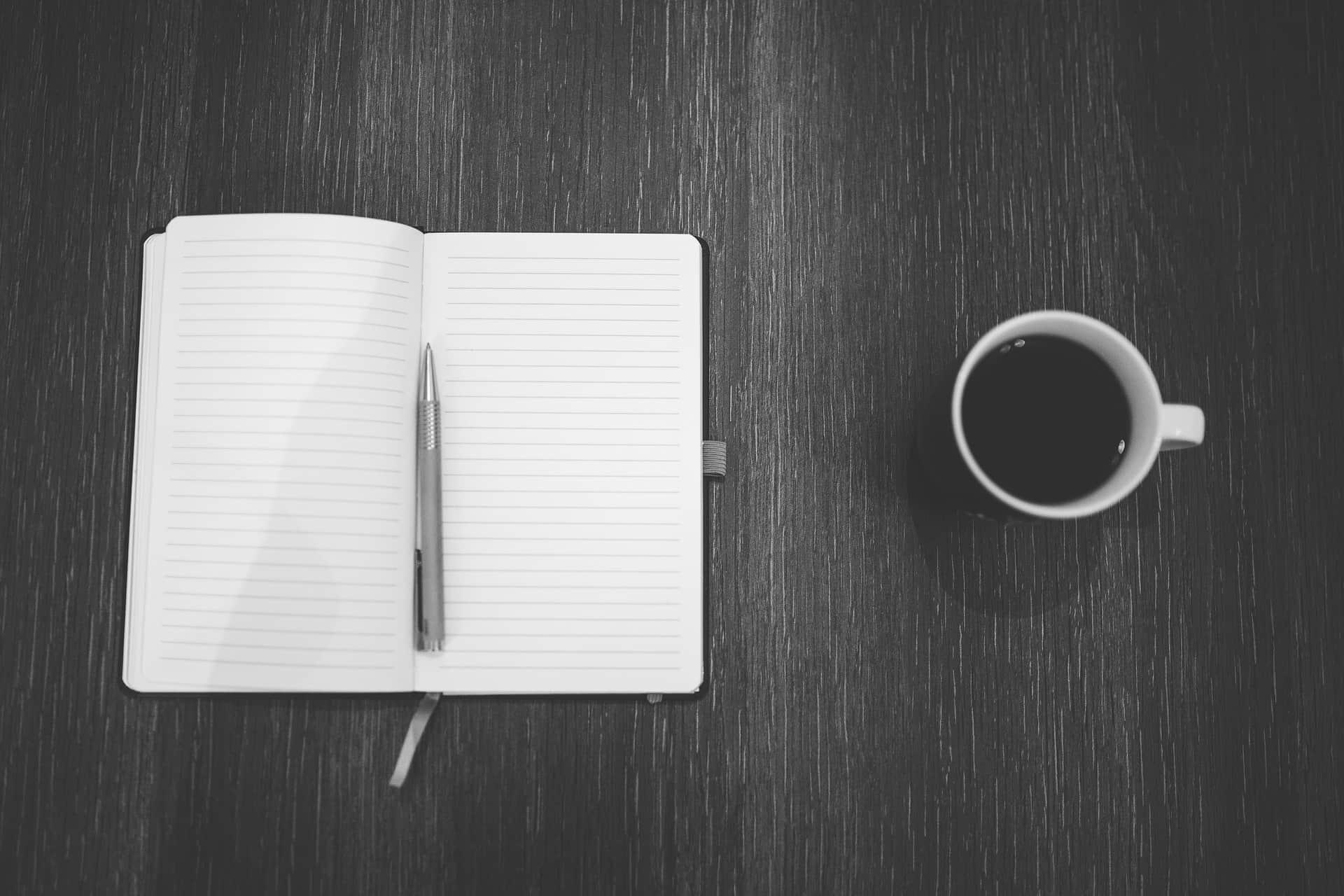 Veja 3 profissões que permitem trabalhar viajando para quem gosta de escrever