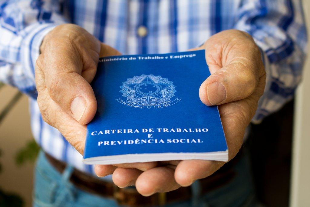 Você sabe quais são os principais direitos de quem trabalha com carteira assinada?