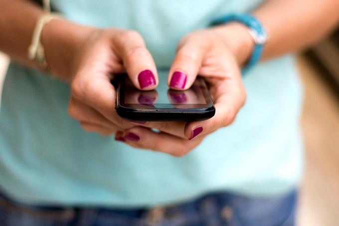 Conheça 4 dicas importantes para montar um currículo profissional pelo celular