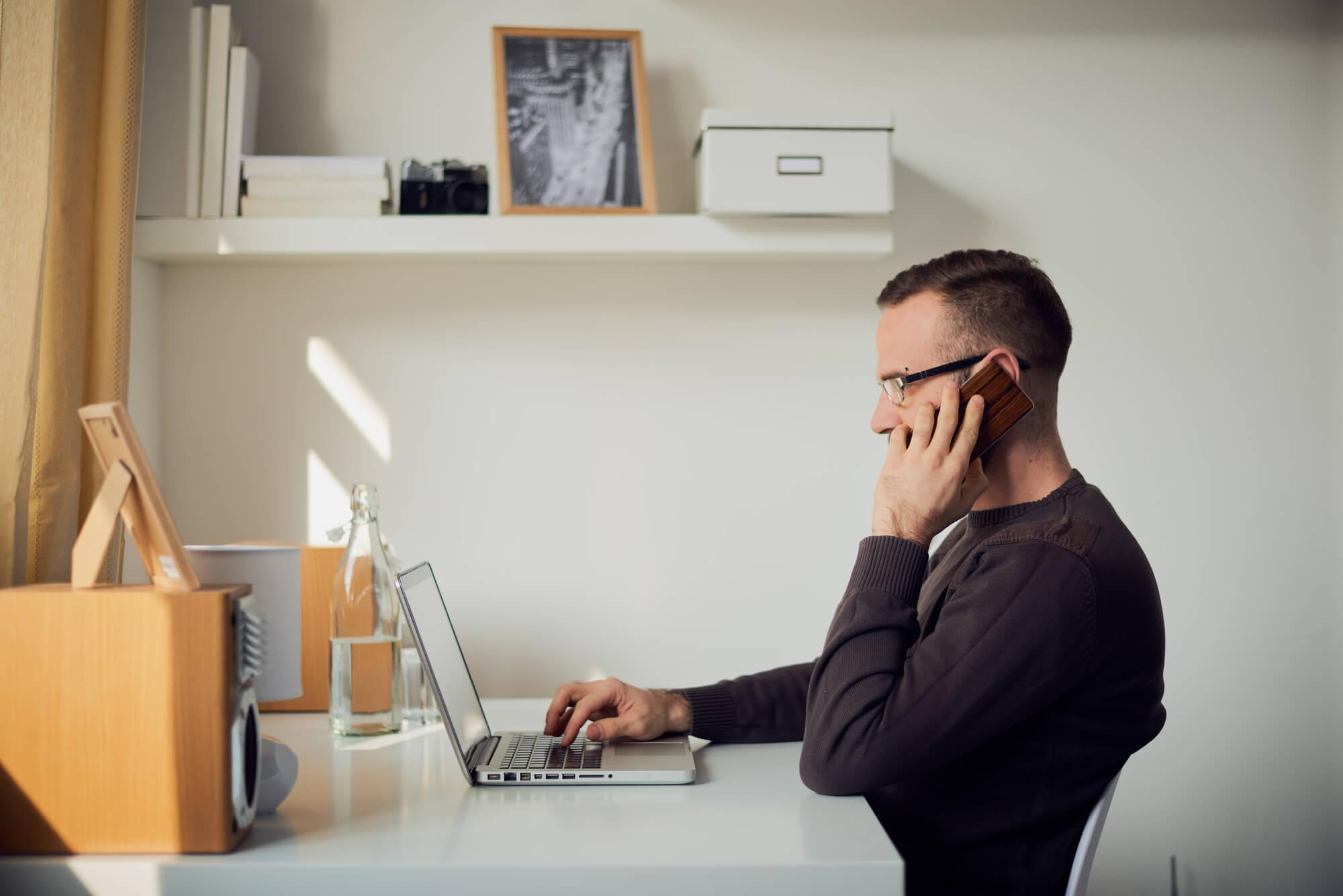 Conheça 5 ideias incríveis para montar um home office barato e produtivo
