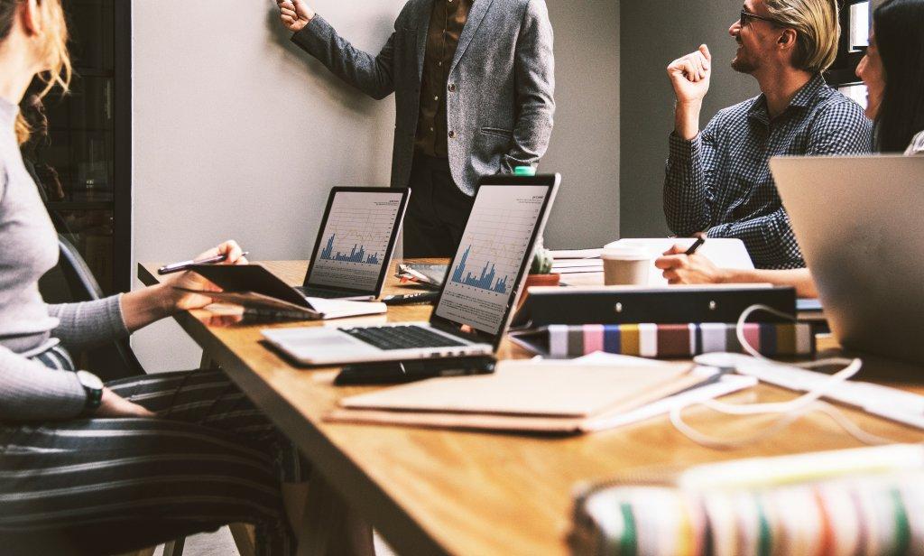 Aprenda como melhorar a gestão de desempenho da equipe