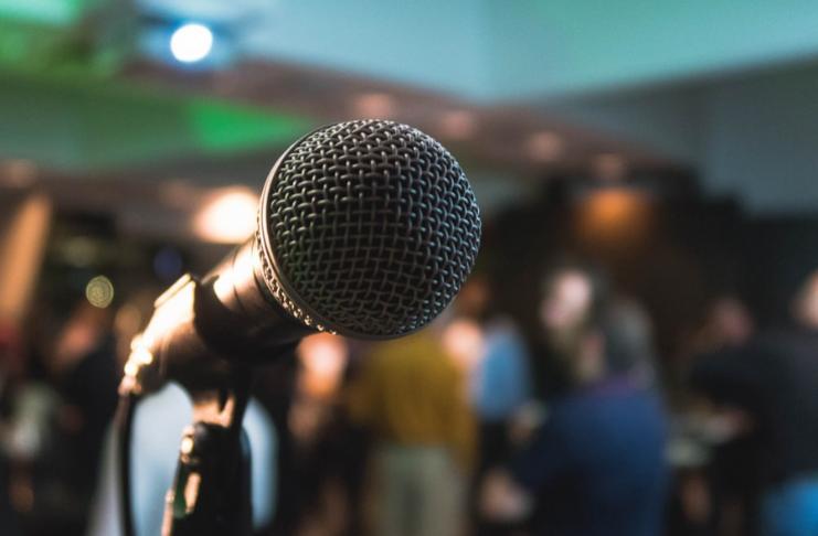 Descubra um curso para aprender a falar em público