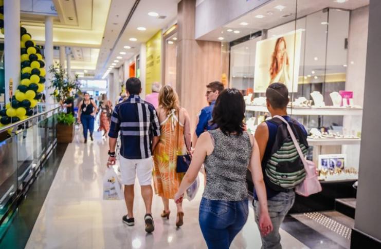 Vagas temporárias abertas para trabalhar em shopping - Como se candidatar